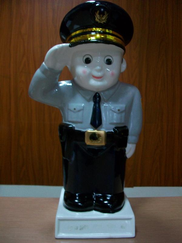警察の階級とは?警察官の階級で就ける ...